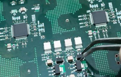 减少PCB地面反弹的设计注意事项