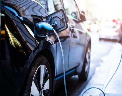 2030年全球电池市场的年产值将上升到约1160亿美元