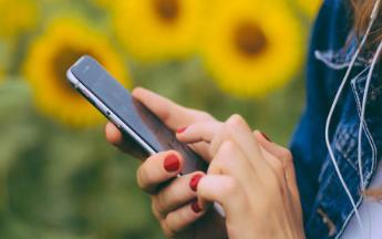 苹果屏下传感器专利或将消除iphone刘海