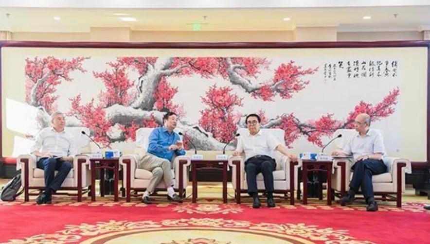 任正非和白春礼的重要握手,中国光刻机的破局之路任重道远
