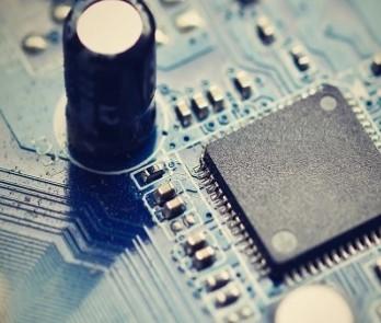 什么因素导致信号完整性问题?