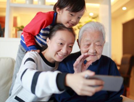 为什么手机厂商不愿意推可定制的适用于老人的智能手机?