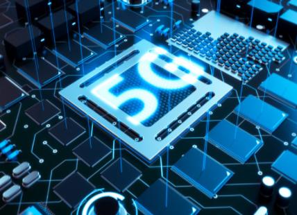 华为已积极备货,预计其手机芯片库存能够维持到2021年Q1的市场需求