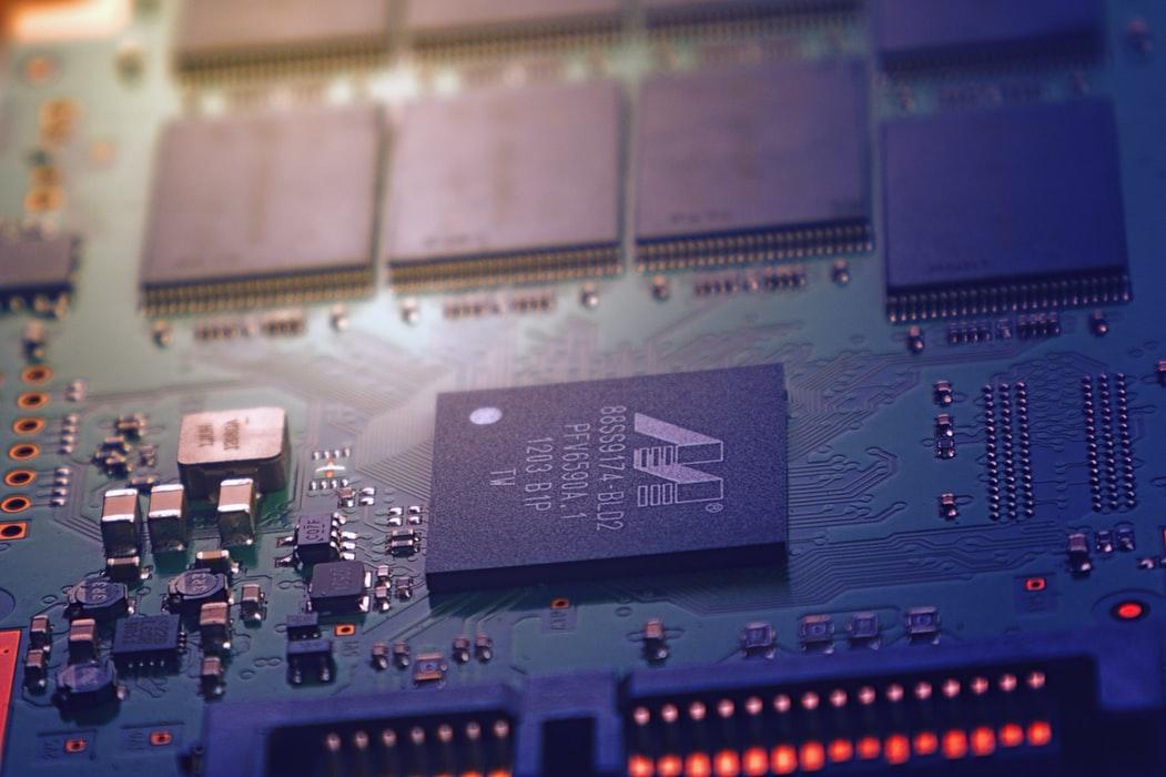 PCB设计中通孔的阻抗控制及其对信号完整性的影响