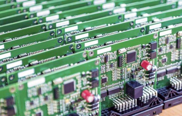 从逻辑到硬件:如何转换PCB布局?