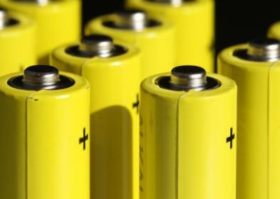 德州仪器推出最新的降压电池充电器集成电路解决方案