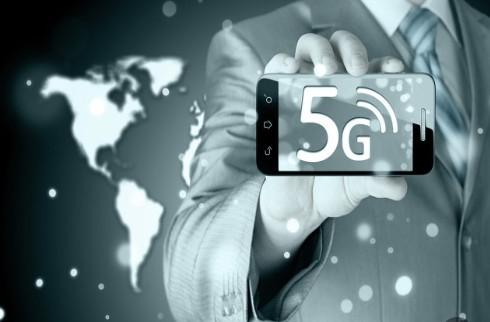 """5G概念公交车有多个""""黑科技"""",实现了与公交数据大脑的直连互通"""