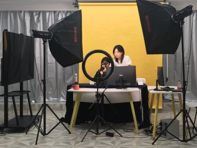 杭州移动引入端到端的NG OTN技术,推出了F5G直播专线的解决方案