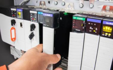 可编程控制器的四大特点解析