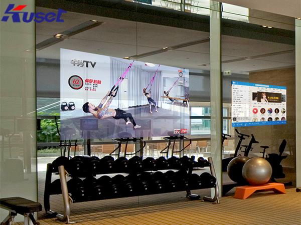 健身房中的智能显示屏让健身方式变得更加智能