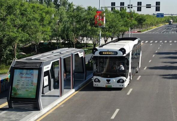 台湾等地相繼推出開啟全新的人工智慧裝備自動駕駛公交試運營路線