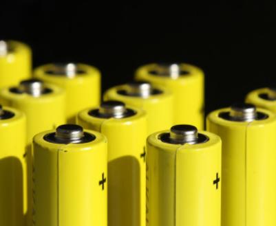 特斯拉公布新型電動汽車電池設計,有利于推動智能電網需求發展