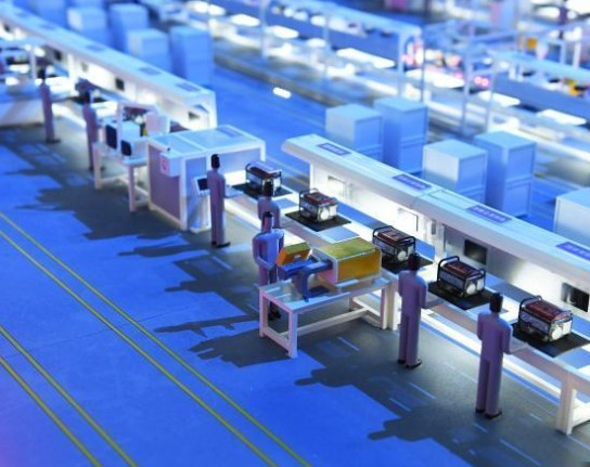5G机器人开展模拟智能装配车间数字化运营