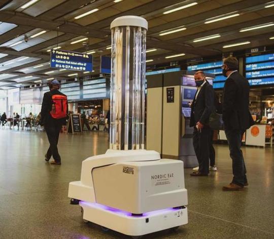英国首次在火车站部署UV-C消毒机器人,旨在应对新冠疫情