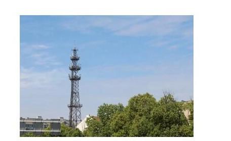 一个5G宏基站与4G宏基站对比通常包括哪些组成部...