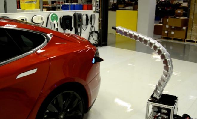 馬斯克:特斯拉機器人蛇充電器仍在研發中,上線仍然遙遙無期