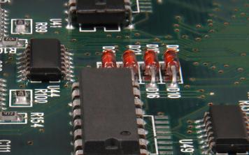 开关稳压电源和线性稳压电源的详细介绍