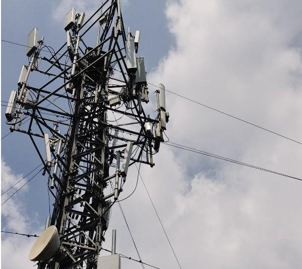 江苏联通携手华为首次在一个网络同时开通部署三大解...