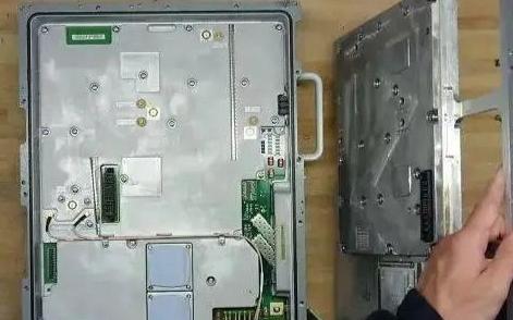 华为基站拆解曝光:PCB设计+高频走线