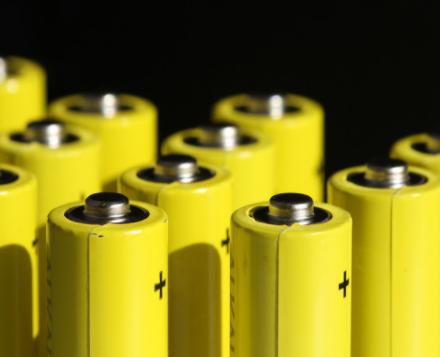 将人工智能和高通量技术结合,智能电池诞生了