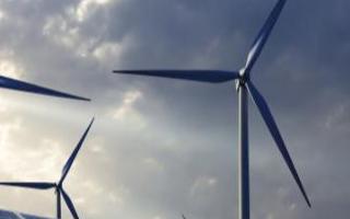 全球首座160米高的構架式鋼管風塔在山東菏澤鄄城并網發電