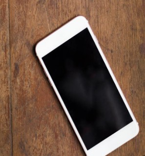 iPhone 12系列与华为Mate40系列,你...