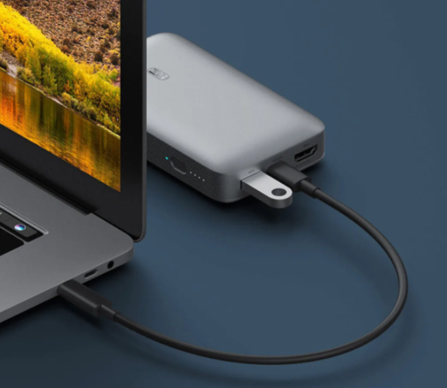 紫米上架多功能移动电源,自带HDMI接口和三USB接口