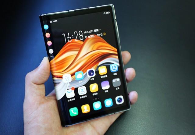 柔宇FlexPai 2是一款从硬件到软件全面成熟化的折叠屏手机新品?