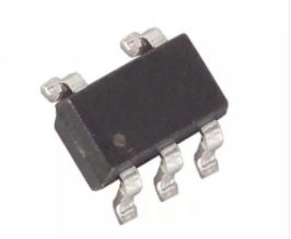开关电容电压反相器MAX828的关键特性和应用范围