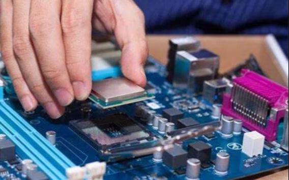 美國對5nm技術實施控制!缺口25萬,中國芯片人才急需破局!
