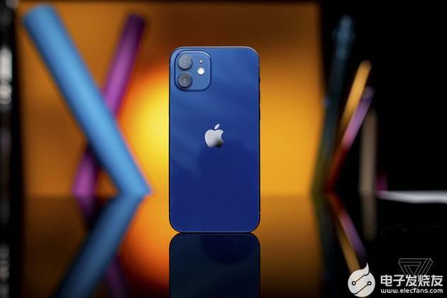 iPhone12海蓝色实物并不丑: 直角边框立起...