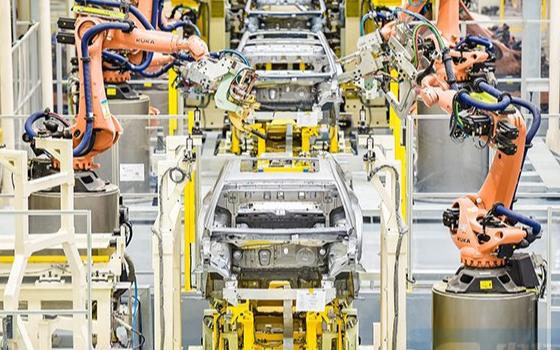 发改委对外表示,将对新能源汽车的产能,公平给予资质、认证认可