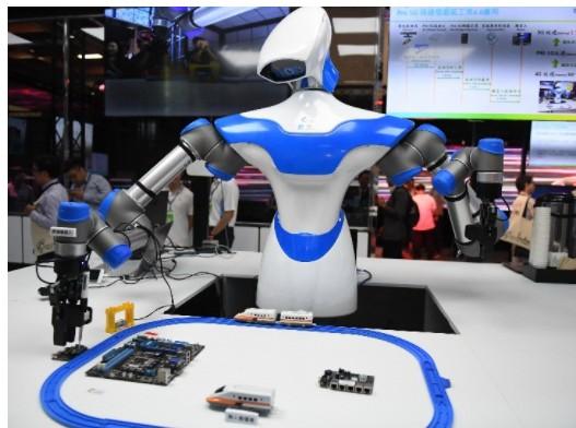 人工智能技术在各个行业和领域的落地应用创造很好的政策环境