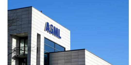 ASML答应提早交付三星已经同意购买的极紫外光光刻设备(EUV)?