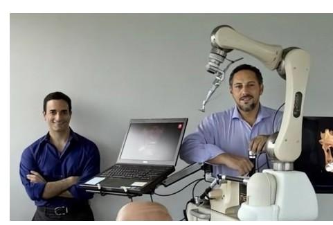 Neocis正在推进牙科手术机器人Yomi的研发
