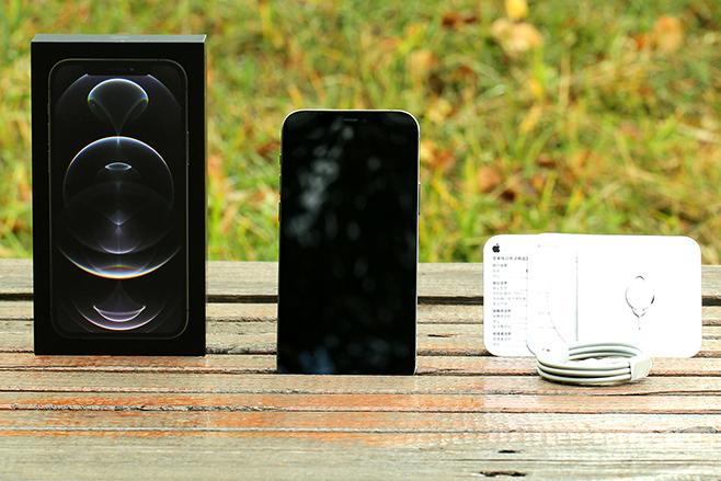 iPhone12 Pro怎么样?致敬iPhone5直角边框iPhone12 Pro来开箱咯