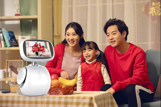 小康助手以智能机器人的方式,陪伴呵护用户全家健康