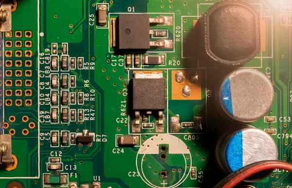 PCBA生产线上都有哪些防静电设施是需要配备的