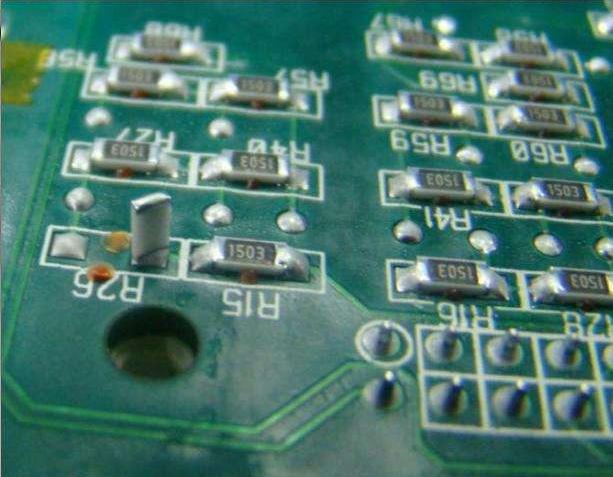 片式元器件立碑現象該如何有效解決