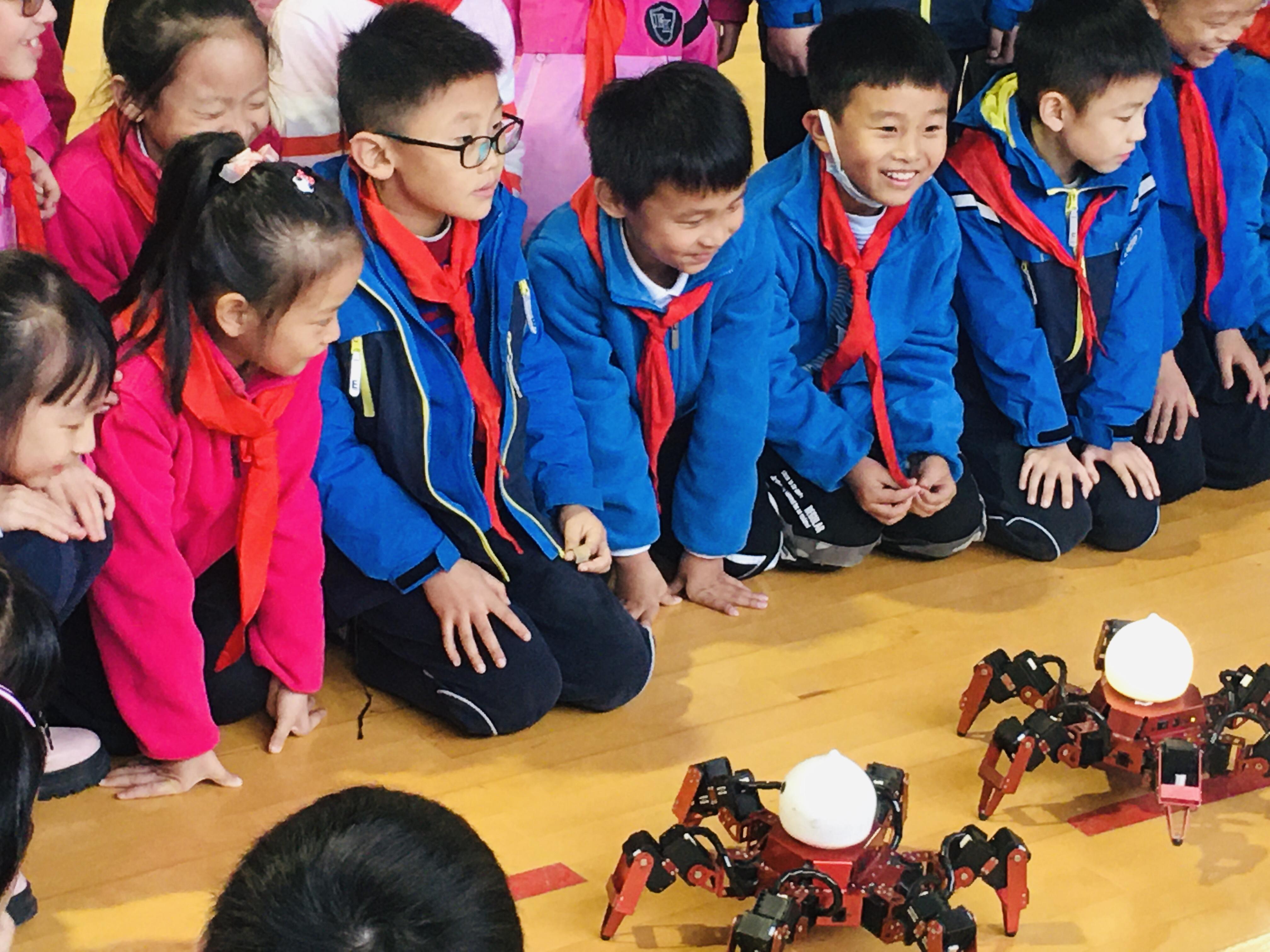 机器人技术的应用将向着更为广泛的人类生活领域拓展