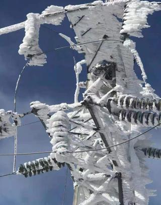 电线覆冰形成的原因是什么,关于覆冰对电网的危害