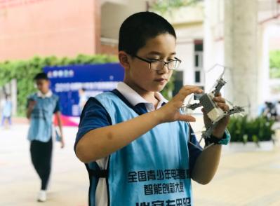 学习无人机编程已经成为了许多学校、家长的不二选择