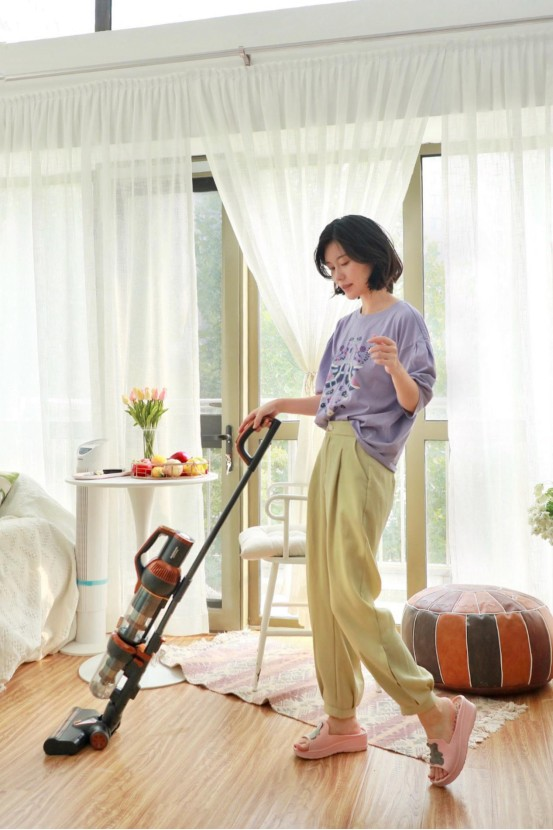 莱克立式吸尘器M12MAX:让家居清洁不再难