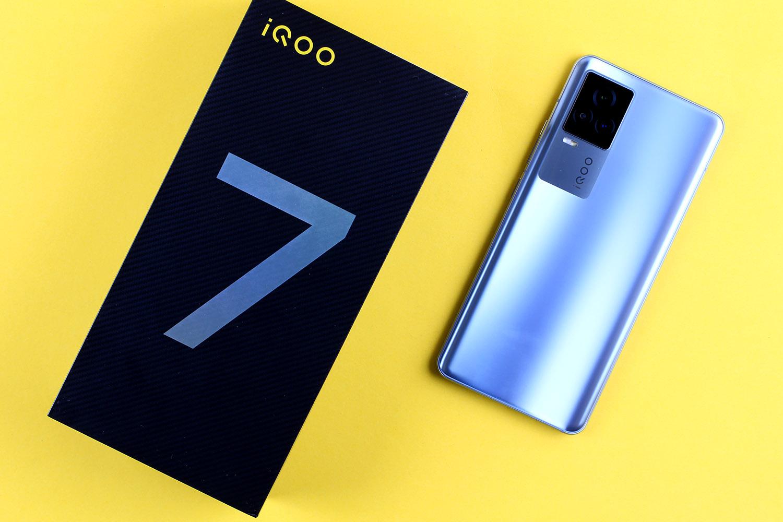 iQOO 7开箱评测 iqoo 7配置参数 配120W充电器