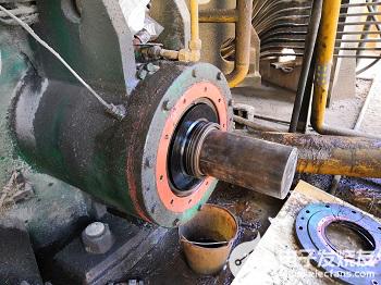 减速机骨架油封部位磨损的原因及修复方法