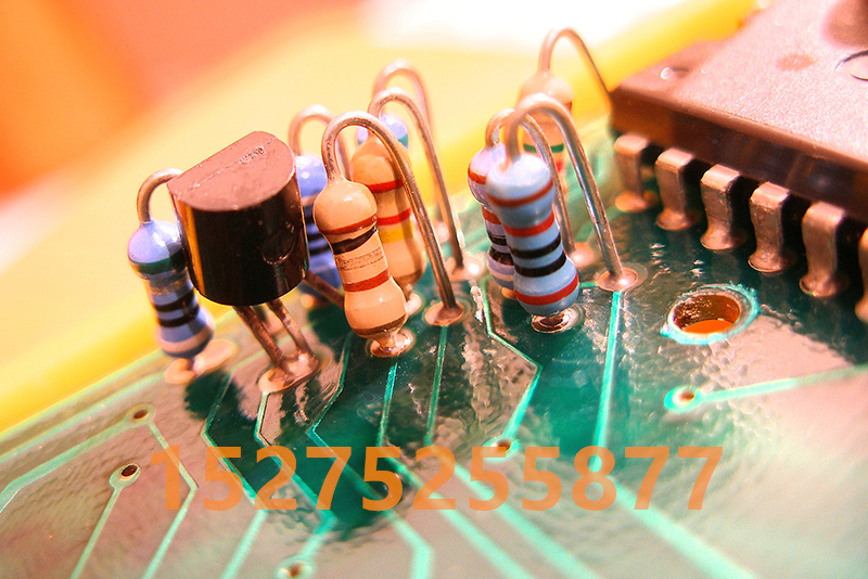 电子产品常用1/2W阻值1R一1M的铜脚编带碳膜电阻