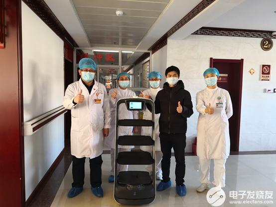 《深圳特區報》眼中的普渡機器人:科技向善,抗疫先鋒
