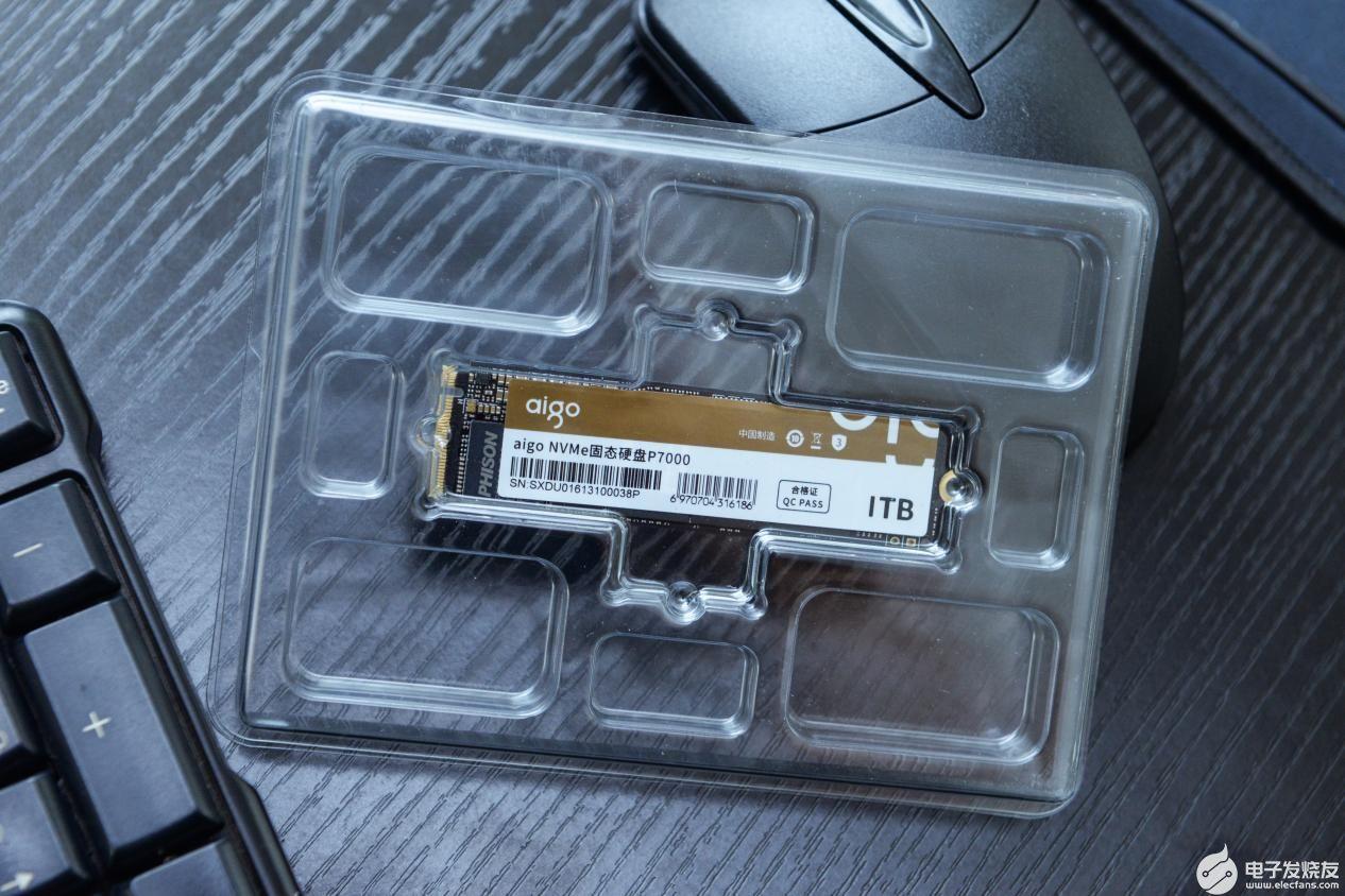 強勢助陣高端玩家!7個G每秒!aigo國民好物固態硬盤P7000開售