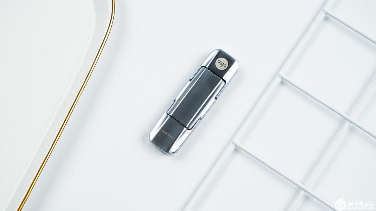 aigo固態U盤U393:實現固態硬盤協議使用雙接口高效傳輸