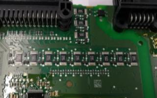 BMW i3采集板的内部电路与架构介绍